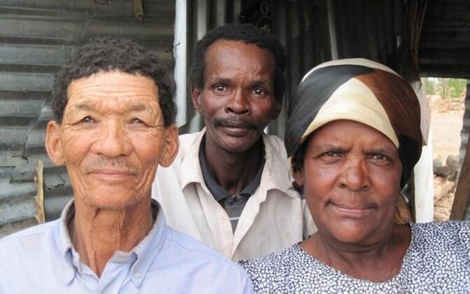 Lõuna-Aafrikas võib khoisanide nahavärv erineda isegi ühe majapidamise piires sedavõrd palju, et neid võiks pidada pealtnäha eri rassi esindajateks.