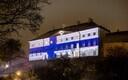 Stenbocki maja värvus Soome 100. sünnipäeva auks Soome lipu värvidesse.