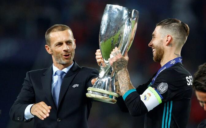 Aleksander Ceferin ja Madridi Reali kapten Sergio Ramos