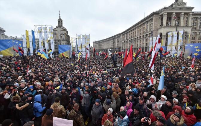 Kiievis avaldasid 10. detsembril tuhanded inimesed meelt Saakašvili toetuseks.