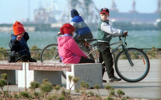 Lapsed Stroomi rannas koolivaheaega veetmas