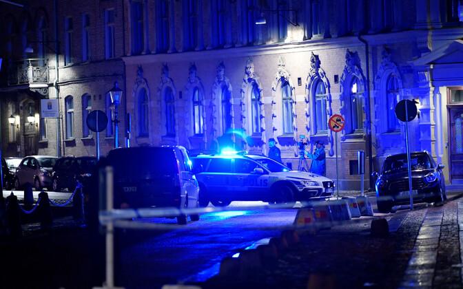Rootsi politsei Göteborgi sünagoogi juures.