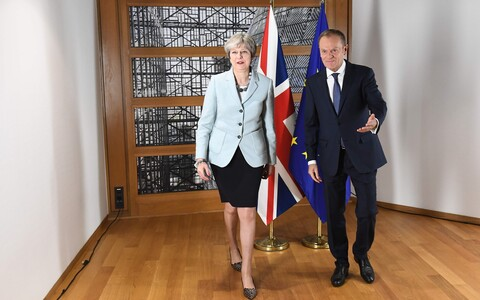 Theresa May ja Donald Tusk.