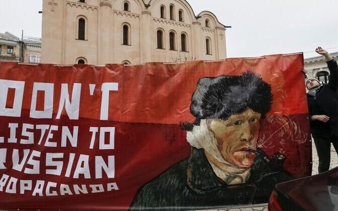 Призывы бороться с российской пропагандой звучат все чаще.
