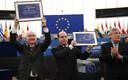 Caracase endine linnapea Antonio Ledezma (vasakul) ja Venezuela opositsioonijuht Julio Borges ning Euroopa parlamendi president Antonio Tajani.