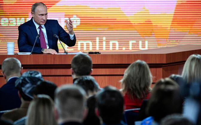 Путин ответил Собчак навопрос про «боязнь оппозиции»