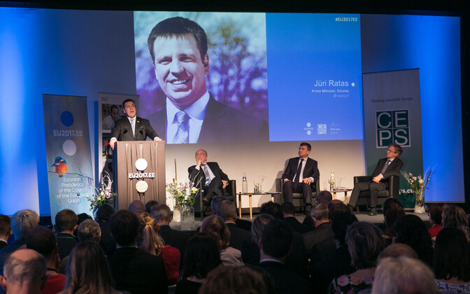 Prime Minister Jüri Ratas (Center) speaking about the digital achievements of Estonia's EU presidency at a seminar in Brussels on Thursday. Dec. 14, 2017.