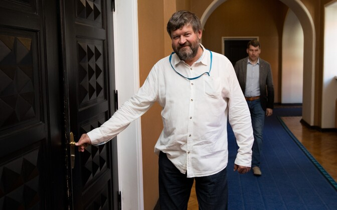 MP Mart Nutt (IRL).