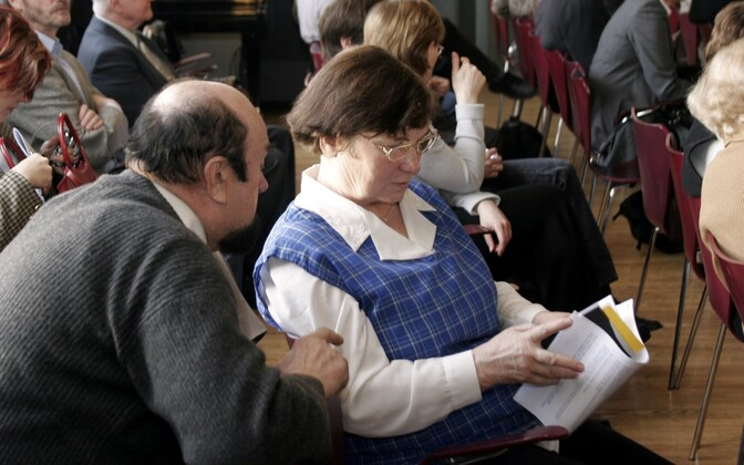 Nasta Pino 2005. aastal Kirjanike Liidu kongressil.