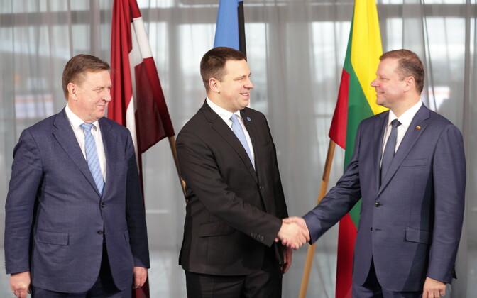 Latvian Prime Minister Māris Kučinskis, Estonian Prime Minister Jüri Ratas (Center) and Lithuanian Prime Minister Saulius Skvernelis met in Tallinn on Monday. Dec. 18, 2017.