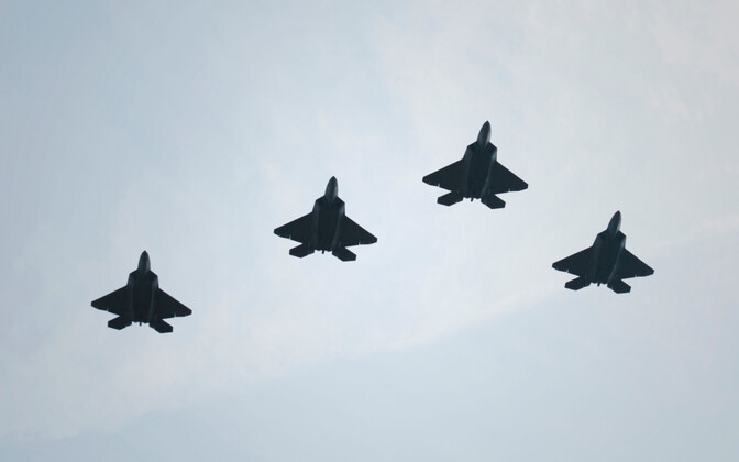 USA stealth tehnoloogial põhinevad hävituslennukid F-22 Raptor.