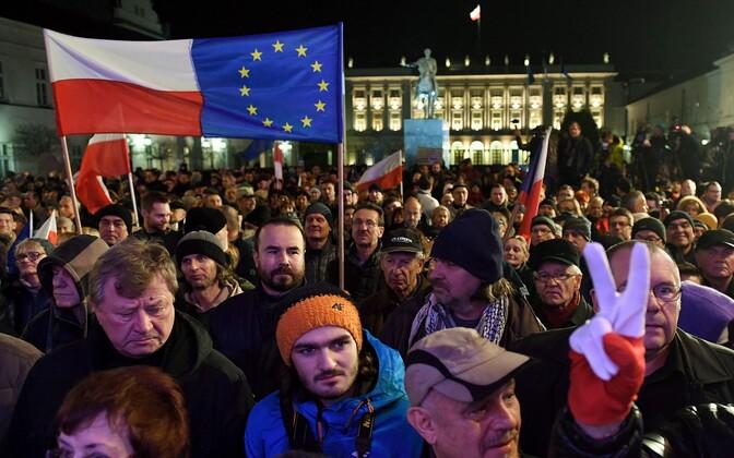 Санкции против Польши могут быть введены при согласии Совета ЕС.