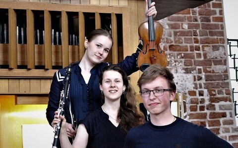 Tartu Talvefestivali esinejad Saimi Kortelainen, Erle Kont ja Arno Humal