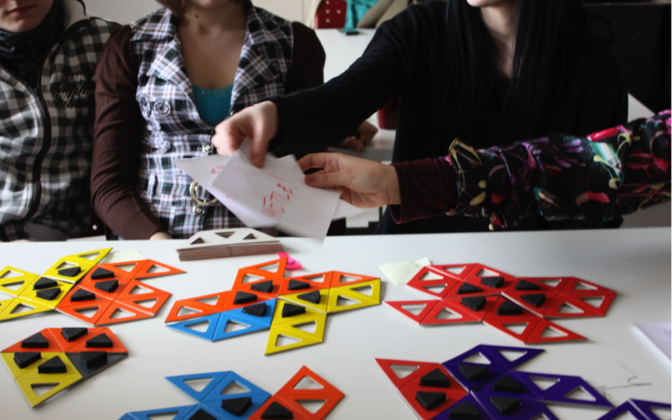 Gümnasistid mängivad Tartu ülikoolis välja töötatud hariduslikku mängu, mis toetab sisserändajate lõimumist Eesti ühiskonda.
