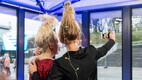 Galerii: Liis Lemsalu ja Karmel Killandi näitasid, kuidas teha nende pühade kuumimat soengut