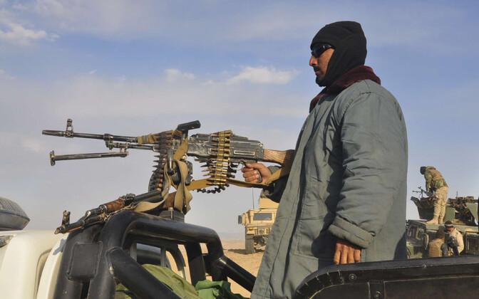 Правительство Афганистана контролирует около половины территории страны.