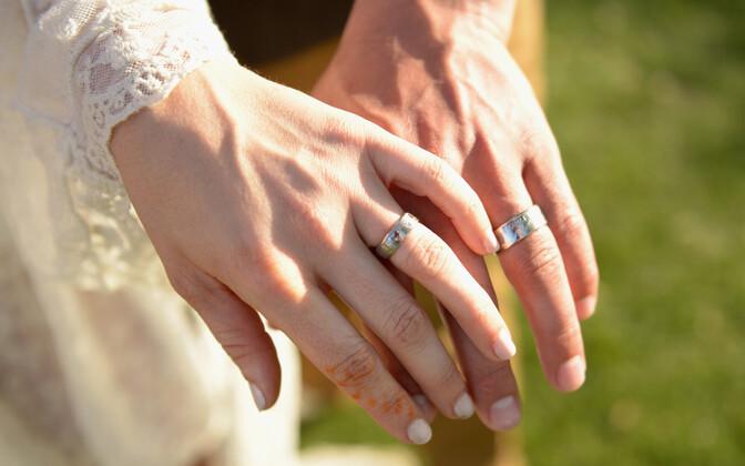 Eestis pole veebruar abiellumiskuuna eriti populaarne.