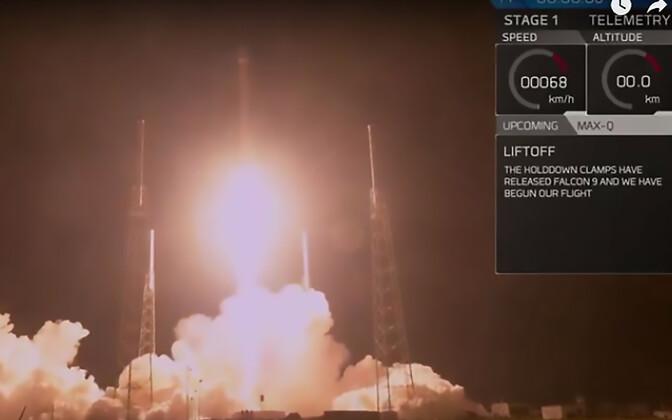 SpaceXi taaskasutusrakett Falcon 9 stardib Floridast Canaverali neemelt.