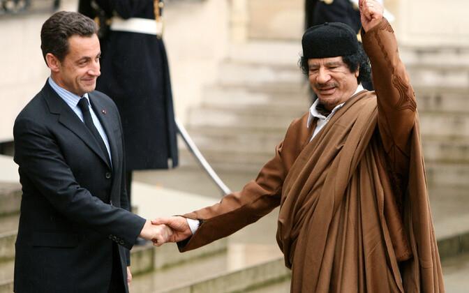 President Nicolas Sarkozy ja Liibüa liider Muammar Gaddafi 2007. aastal Pariisis.