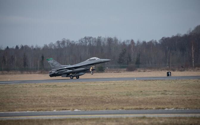 Ohio rahvuskaardi 112. hävitajate eskadrilli kuuluvad 12 hävituslennukit saabusid 14. jaanuaril Ämarisse.