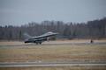 Из США в Эмари прибыли 12 истребителей F-16