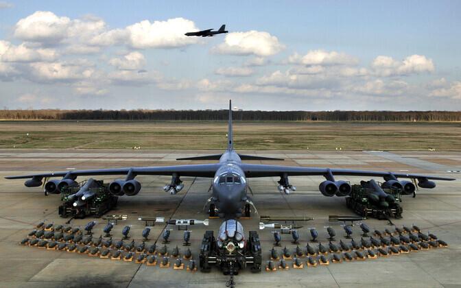 Boeing B-52H может нести до 31 тонны различных боеприпасов.