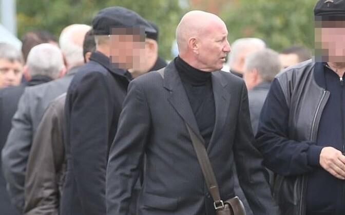 Вячеслав Гулевич (в центре) на похоронах Николая Таранкова.