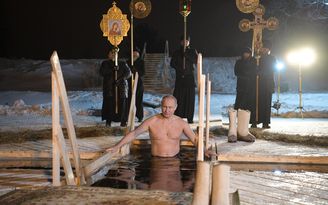 Putin sel talvel tähistamas Kristuse ristimise püha õigeusu traditsioonide kohaselt jääaugus käimisega.