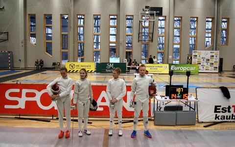 U-14 Euroopa karikaetapi finalistid Amina Marnova ja Luiza Novosjolova ning Markus Salm ja Oliver Laasik.