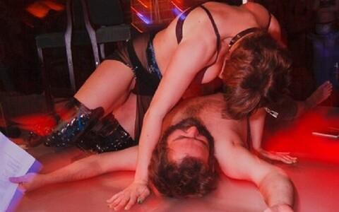 Toomas F. Aru luuleõhtul stripiklubis