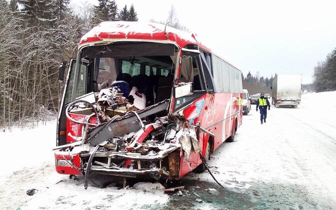 Coach that collided with a truck in Ardu, Jan. 24, 2017.