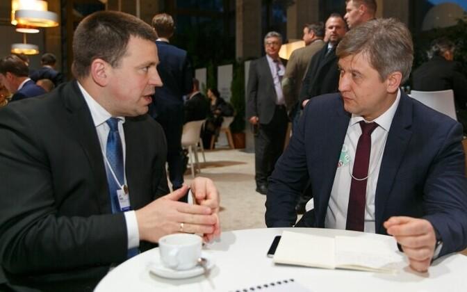 Ратас потребовал от руководства государства Украины немедленно исключить Эстонию изсписка офшоров