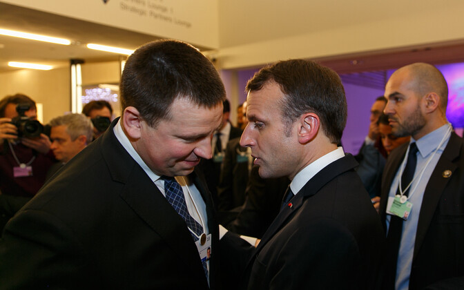 Ratas also bumped into a few acquaintances at the WEF, French president Emmanuel Macron (right) among others.