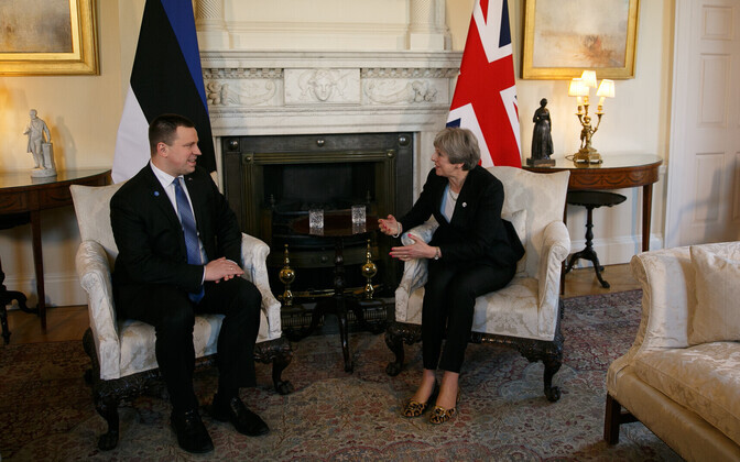 Prime Minister Jüri Ratas (Center) met with British Prime Minister Theresa May in London on Tuesday. Jan. 30, 2018.