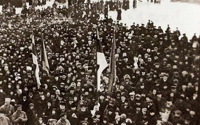 Eesti Vabariigi väljakuulutamise tähistamine Pärnus, 24. veebruaril 1918.