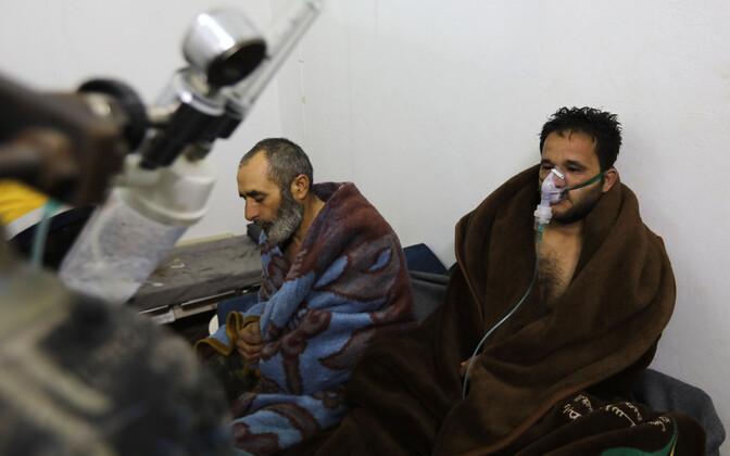 Saraqebi haiglat tabanud kloriinipommi tõttu kannatada saanud inimesed 5. veebruaril.