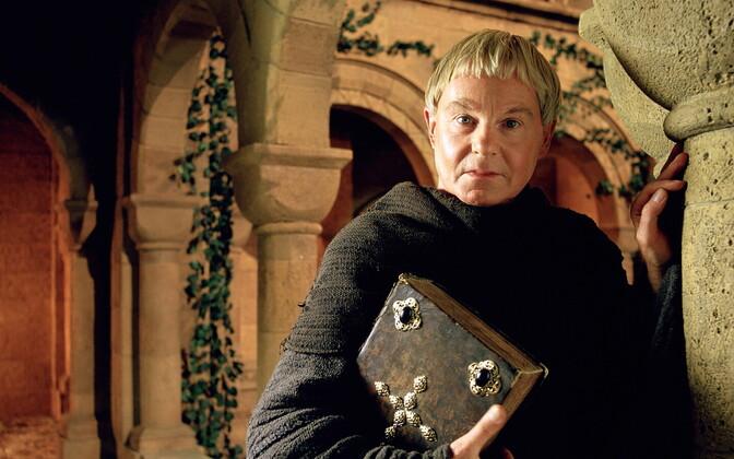 Sir Derek Jacobi vend Cadfaeli rollis