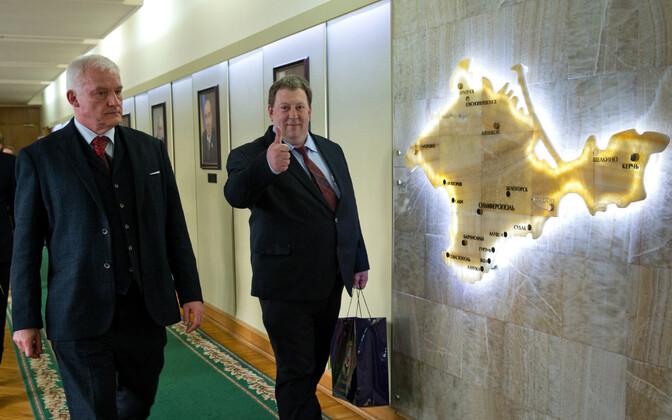 AfD rahvasaadikud - Hugh Bronson (lvasakul) ja Gunnar Lindemann - 6. veebruaril Krimmis.