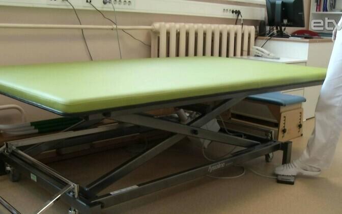 Стол для детской клиники