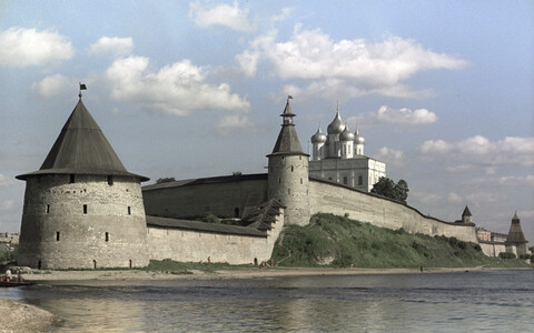 Pskov, known in Estonian as Pihkva.
