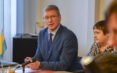 Уездный и окружной суды приговорили Александра Ефимова к одному году и девяти месяцам лишения свободы условно.