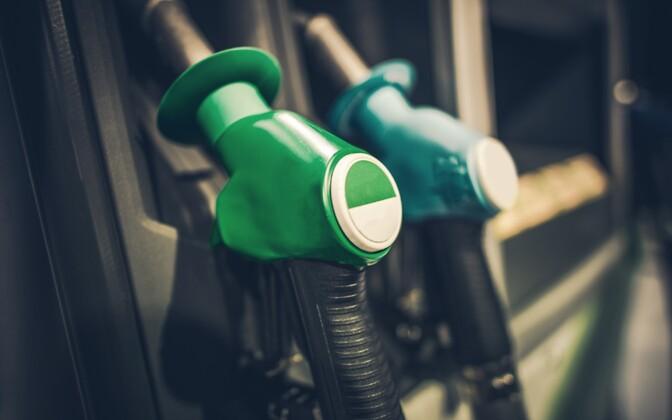 Бензин в Эстонии стоит совсем недешево.