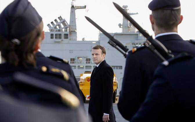 Prantsusmaa president Emmanuel Macron Touloni mereväebaasis.