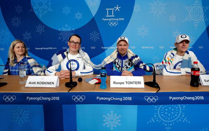 Soome olümpiakoondis kootud salliga.