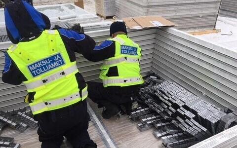 Таможенники нашли крупную партию контрабандных сигарет в Палдиском порту.