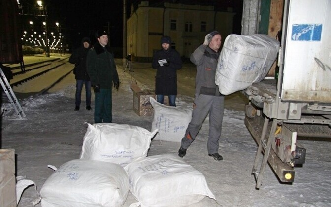 Российские таможенники нашли в двух вагонах контрабандные товары из Эстонии.