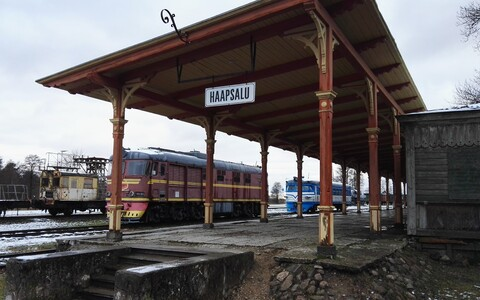The old Haapsalu Railway Station has stood unused.
