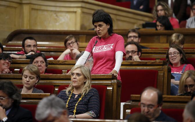 Anna Gabriel (CUP) Kataloonia regionaalparlamendis 2016. aastal.