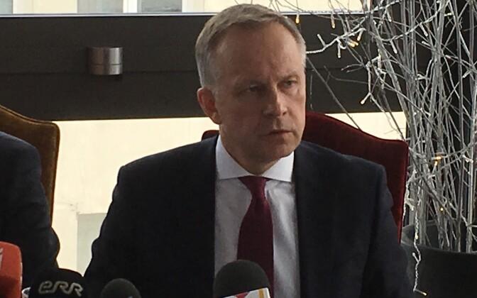 Läti Keskpanga president Ilmārs Rimšēvičs (paremal).