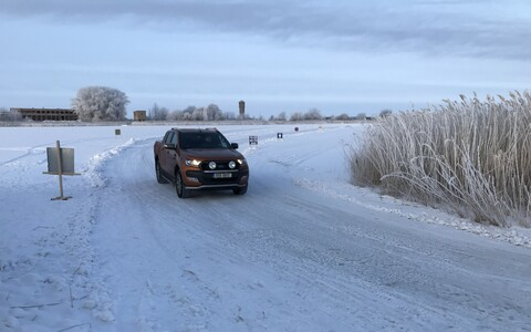 The Haapsalu-Noarootsi ice road was opened to traffic on Wednesday morning. Feb. 21, 2018.